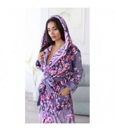 Сиреневый махровый халат на запах с цветами