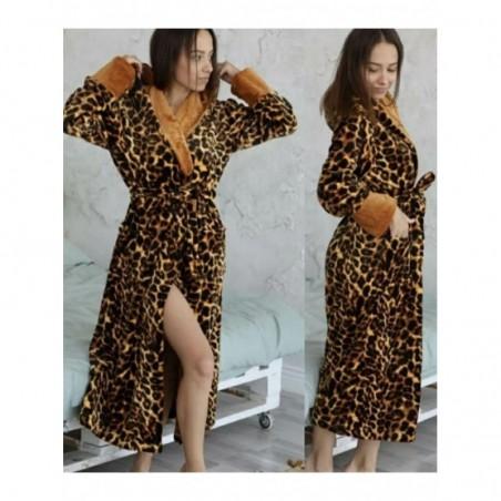 Стильный женский халат с леопардовым рисунком