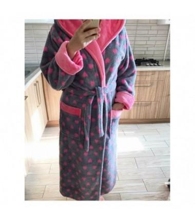 Махровый халат на запах с капюшоном и розовыми сердечками
