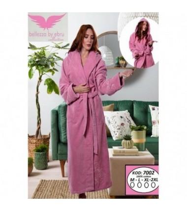 Женский халат на запах с капюшоном розового цвета