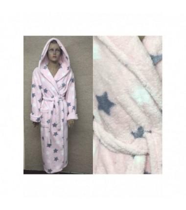 Женский длинный махровый халат розового цвета